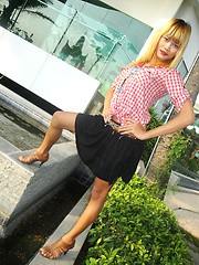 Adorable blonde Ladyboy Wa takes self shot pics